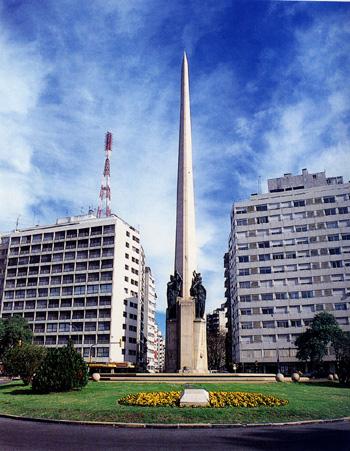 monumento uruguayjpg