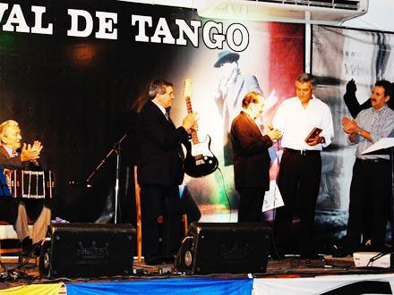 tango uruguay.jpg